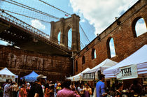 SUNDAY UNDER BROOKLYN BRIDGE. von Maks Erlikh