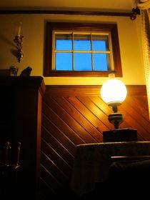 Blue Window von Guy  Ricketts