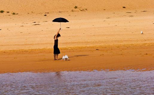 Girl-with-black-umbrella