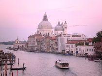 Venedig, Santa Maria della Salute am Canal Grande von visual-artnet