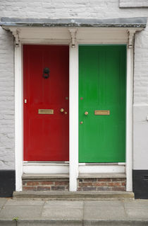 Red and Green Door by aremak