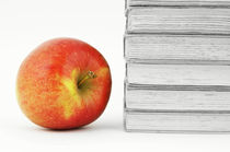 Books with Apple von aremak