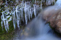 Eiszapfen am Wasserfall / Icicles at a small Waterfall by Sebastian Frölich