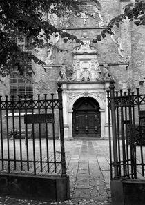 Enter the gate by Karsten Hamre