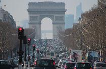 Avenue des Champs-Élysées - Paris by Freddy Olsson