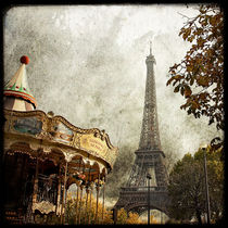 The carousel and the Eiffel Tower von Marc Loret