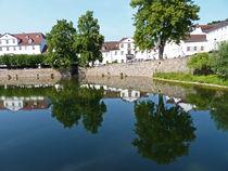 Spiegelungen - Uferpromenade in Bad Karlshafen, Hessen by Eva-Maria Di Bella