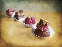 Petits Fours by barbara orenya