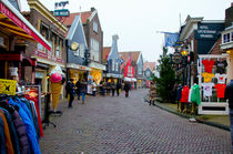 Streets of Volendam von Pravine Chester