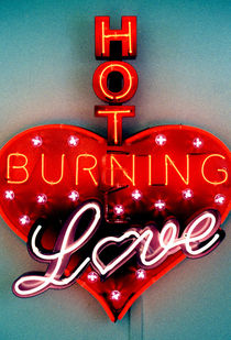 HOT BURNING LOVE by Giorgio Giussani