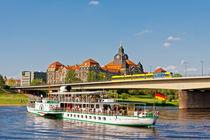 Schifffahrt auf der Elbe in Dresden von Daniel Kühne