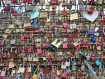 Liebesschlösser - Love locks by Eva-Maria Di Bella