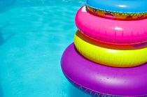 Tubes in swimming pool von 7horses