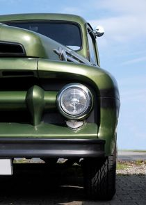 Truck (green) by Beate Gube