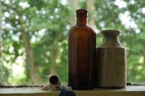 Bottles in Window von alina8