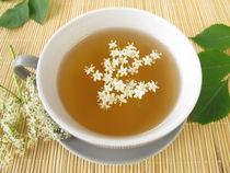 Weißer Tee mit Holunderblüten von Heike Rau