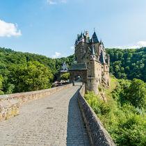 Burg Eltz (10) by Erhard Hess