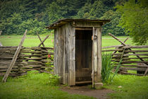 Old Outhouse on a Farm von Randall Nyhof