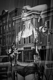 Mannequin in Lingerie von Randall Nyhof