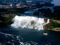Aerial view of Niagara Falls and river and Maid of the mist von Rose Santuci-Sofranko