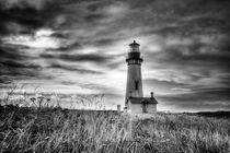 Yaquina Head Lighthouse Black and White von Mark Kiver