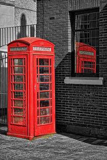 phone box by Petra Voß