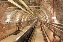 Old Tunnel Line von Evren Kalinbacak