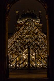 Paris - Louvre by Mirko Freudenberger