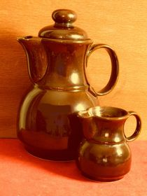Rustic coffee pot with milk jug von techdog
