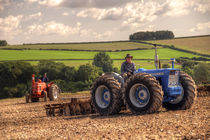 Classic Tractors at work  von Rob Hawkins