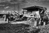 Old Fordson and the Threshing Machine  von Rob Hawkins