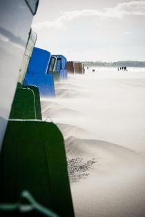 Strandkörbe am Strand von Warnemünde von Michael Zieschang
