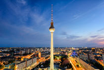 The skyline of Berlin, Germany at night von Michael Abid
