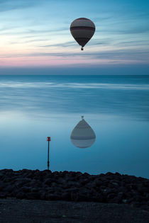 Floating in a Pastel Sky  von Nigel Jones