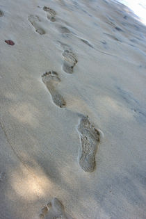 footprints by Lore Müller