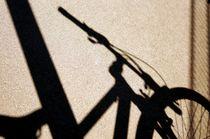 bike and shadow 8 - Rad und Schatten 8  von mateart