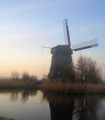 A mill in the early daylight. by twilsje
