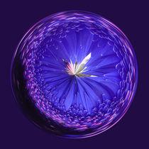 Fantasy glass Orb in Blue von Robert Gipson