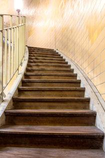 Stairwell by kunertus