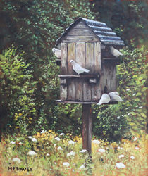 Painting-doves-on-bird-house