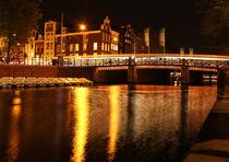 Canal at night in Amsterdam von Freddy Olsson
