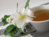 Weißer Tee und Sommerjasmin  von Heike Rau