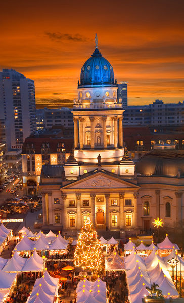 Berlin-gendarmenmarkt-sunset