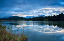 Rainy sunrise in Alps von Olha Rohulya