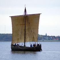 Wikingerboot auf dem Roskilde-Fjord by Sabine Radtke
