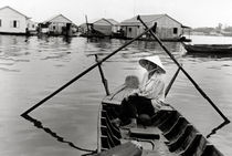 Ruderfrau - Mekongdelta - Vietnam von captainsilva