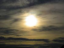 Sonne hinter Wolken by phil