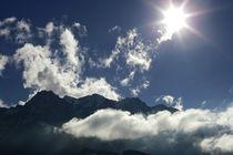 Wolkenspiel über den Tiroler Alpen, Farbfoto von Kathleen Follert