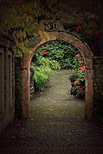 Tor zum Garten. von Elke Balzen