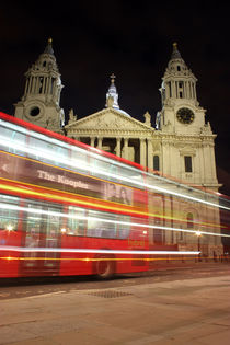 St Pauls Cathedral by Dan Davidson